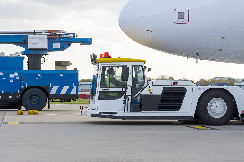 7 ways to minimize aircraft towing damage